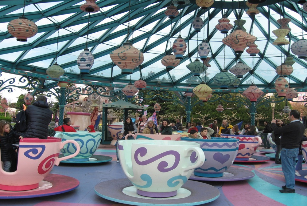 Париж, Дисниленд, Mad Hatter's Tea Cups