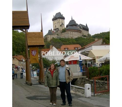 Пред замъка Карлщайн