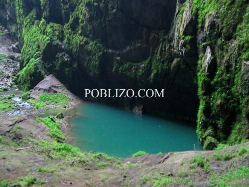 Едно от двете малки езерца на дъното на Мацоха
