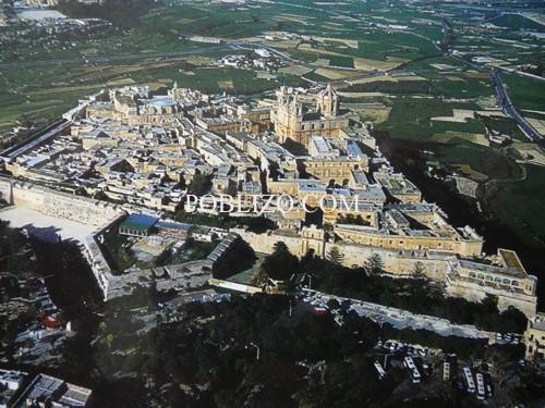 Крепостта Мдина , поглед от въздуха