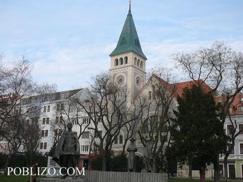 В Братислава