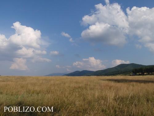 Гледка към Люлин и Витоша от полето над Банкя