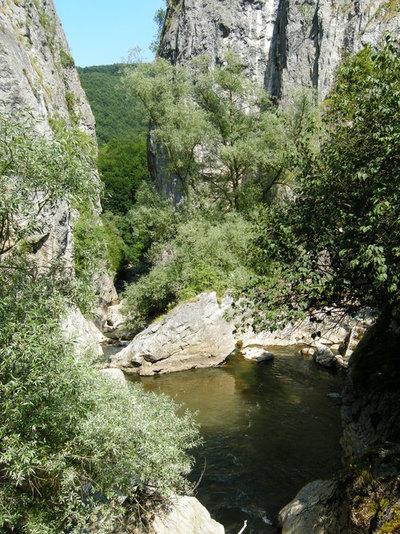 Вече сме над река Ерма, поглед от първия мост към ждрелото