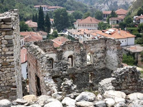 Руините на Болярската къща