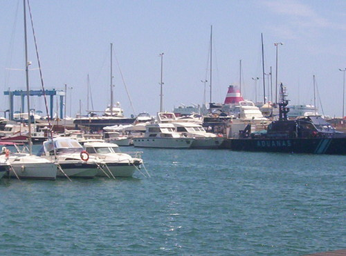 Пристанището в Аликанте