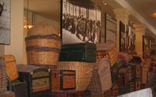 В музея на остров Елис Айланд