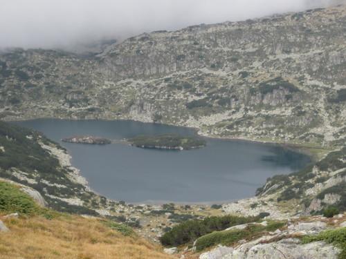 Валявишко езеро