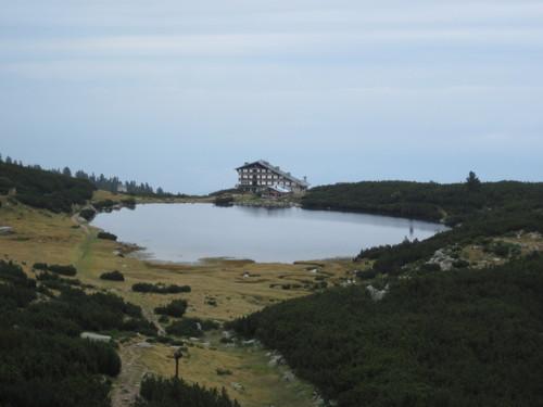 Езеро Безбог и едноименната хижа