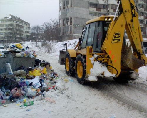 Сняг ли чистим или боклуци събираме... в най-добрия град