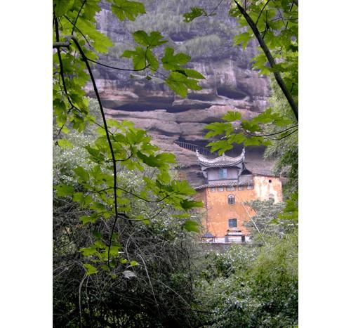 Храм в планината