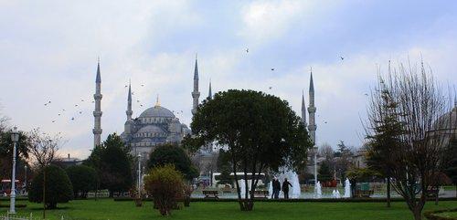 Синята джамия с нейните 6 минарета