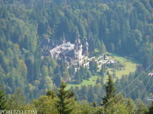 Замъкът Пелеш, погледнат от кота 1400м