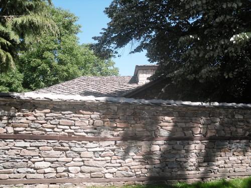"""Външната стена на църквата """"Св. Неделя"""""""