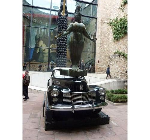 Любимият автомобил на Дали