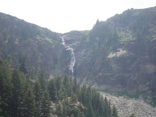 Гледка към водопада Скакавица
