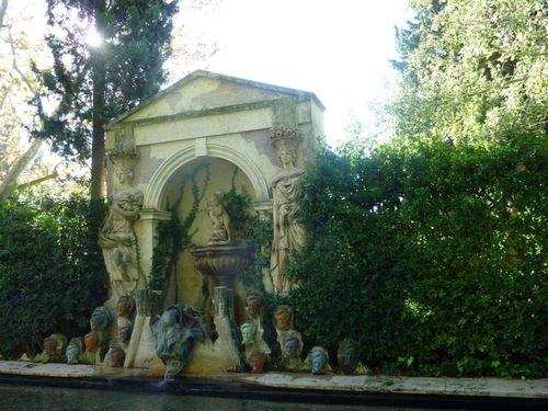 Градината на замъка Пубол