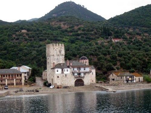 Пристанището на м. Св. Георги Зограф