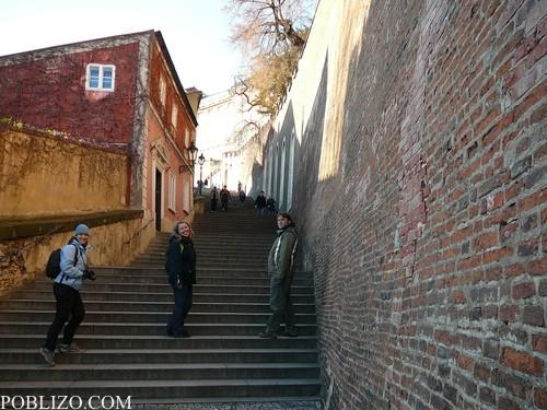Стълбите към Храдчани