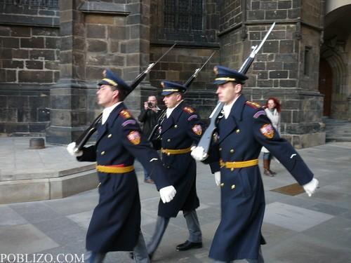 Почетната стража в Храдчани