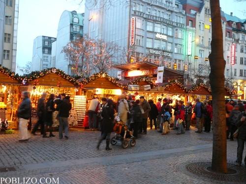 Коледният базар на Вацлавски намести