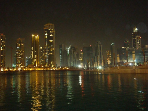 Пред мол Дубай