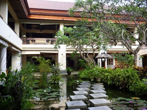 Градината на хотела