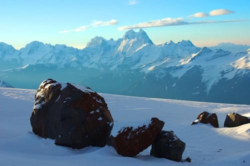 Кавказ - притегателно място не само за алпинистите