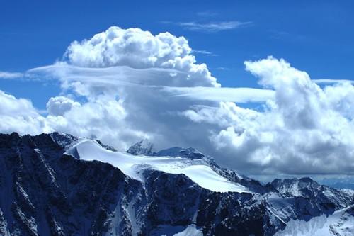 Облаци над Кавказ