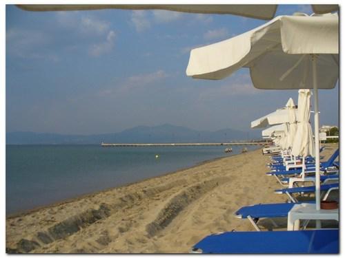 Плажът на Агия Триада