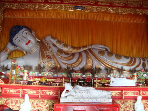 Най-големия в света Буда от нефрит