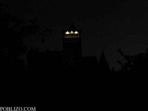 Какво се вижда от замъка през нощта...