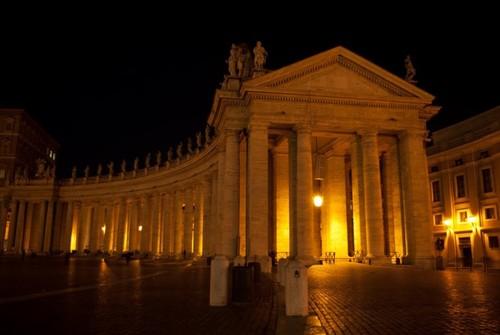 Свети Петър през нощта