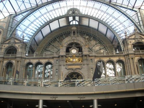Гарата в Антверпен, 4- та по красота в света.