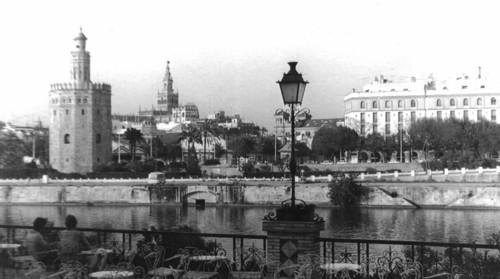 Златната кула, Катедралата и Дворецът на Алфонс ХIII