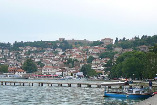 Изглед към старата част на Охрид от крайбрежната