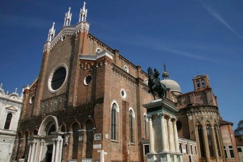 Сан Джовани е Паоло - пантеонът на Венеция ( 25 дожи са погребани тук)