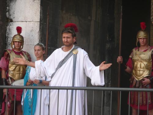 Ave, Cezare, moraturi te salutant!