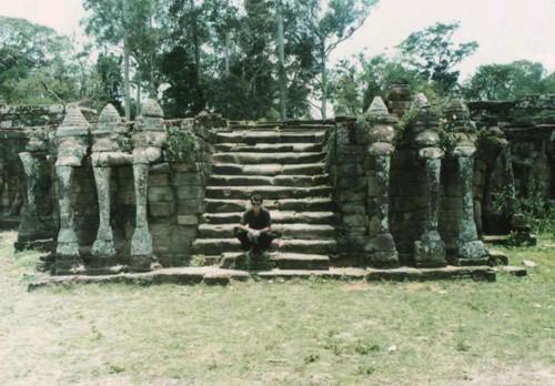 Слонската алея
