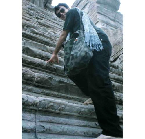 47 стъпала до централната част на храма
