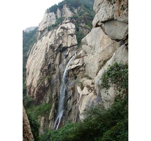 Водопадът в цялото си великолепие