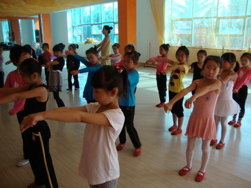 Бъдещи танцьорки