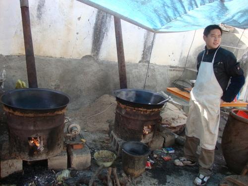 Младият готвач е готов с обяда