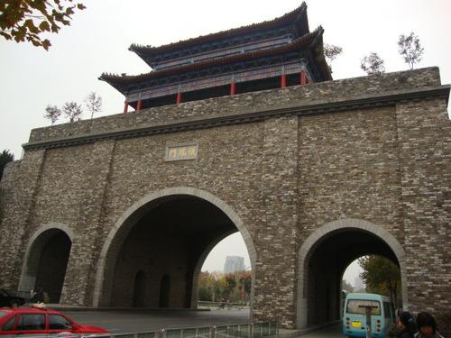 Главната порта на градската стена