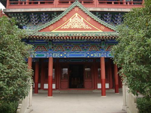 Входът на кулата