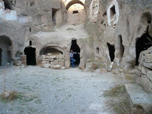 Скален раннохристиянски манастир