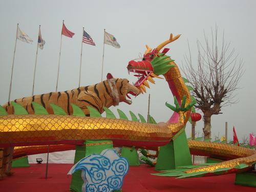 Вечната битка между тигъра и дракона