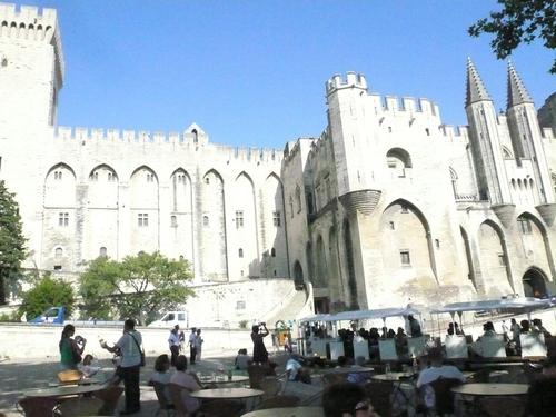 Дворeцът  на  папите