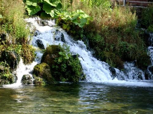 """Малкото водопадче на езерото """"Клептуза"""""""