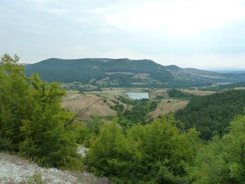 Изглед към околностите от пътеката за Перперикон