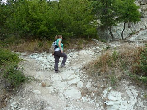 Нагоре към скалния град